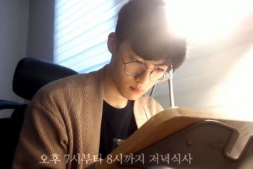 Korean guy studying alone creates a huge following on YouTube