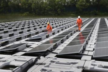 Place Tengeh Tank dans l'un des plus grands systèmes de panneaux solaires flottants au monde