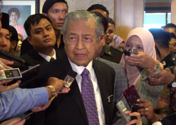 Blaming Russia for MH17 is politically motivated: Mahathir