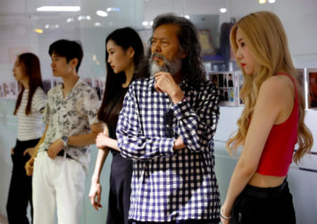 'Don't ask my age': Ageing South Koreans begin a new chapter on the catwalk, YouTube