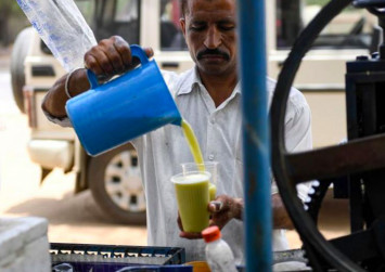 No tea or coffee, Indians warned, as heatwave continues