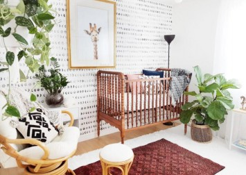 8 tips to designing a nursery to welcome your first baby (and resources!)