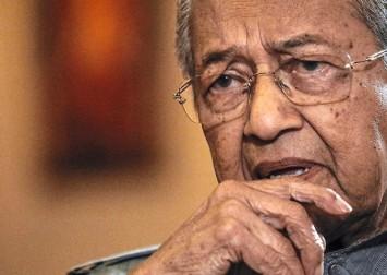 Court dismisses Mahathir's bid to remain Bersatu member