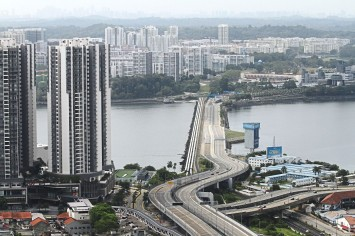 Singaporeans want border with Malaysia to reopen