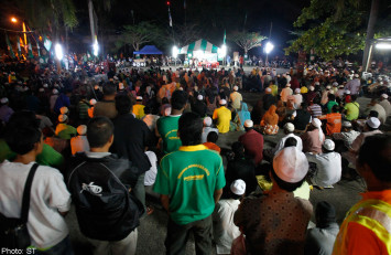 Malaysian move toward harsher Islamic law divides opposition