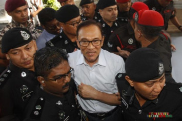 Anwar: Mahathir and I are not an 'odd couple'