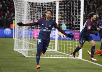 Neymar's golden foot to go under the knife