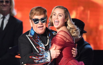 Elton John leaves stage in Las Vegas because of 'rude' fan