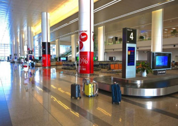 Top airlines axe flights as coronavirus saps demand