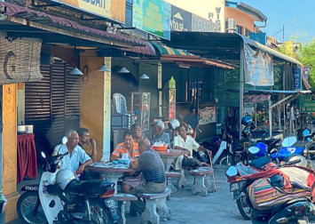 Elderly customers refuse to budge from coffeeshop in Malaysia