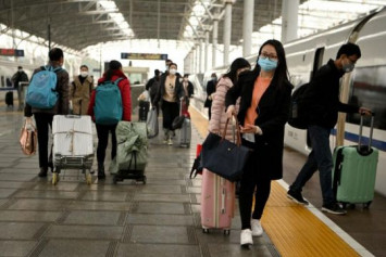 Coronavirus: People at centre of China's outbreak say time to end lockdown