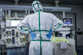 Researchers identify 2 coronavirus types as China cases dwindle
