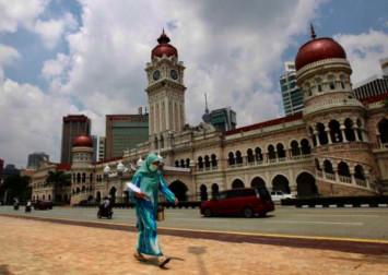 Malaysia reports 110 new coronavirus cases, total hits 900