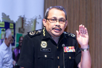 Malaysian anti-corruption commission chief resigns