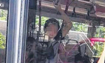 Alleged molester in Singapore begs for mercy after getting trapped on bus