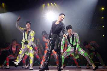 Jacky Cheung dubbed 'enemy of fugitives' after arrests at his concerts