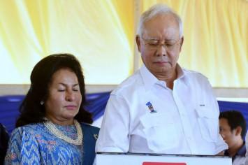 Malaysian ex-PM accused of blocking 1MDB probe as Mahathir starts work