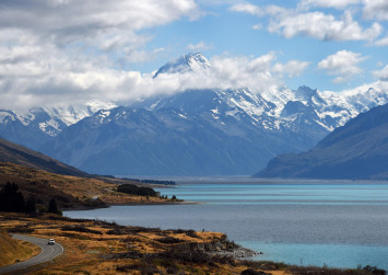 'Lucky to be alive': Climber found just in time on deadly New Zealand mountain