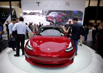 Tesla CEO Elon Musk drops pursuit of $98 billion take-private deal