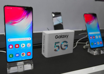 Samsung releases world's first 5G phone in South Korea