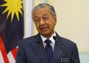 Mahathir: Ramadan not just about abstaining from eating, but also resisting temptation