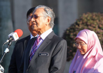 Dr Mahathir: Loyalty to country should be above everything else