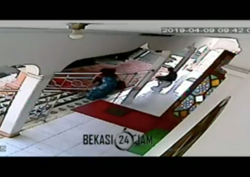 CCTV records child abduction in West Java