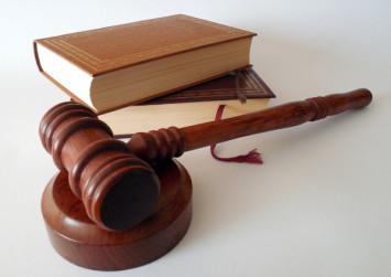 'Accidental Americans' in France file discrimination lawsuit