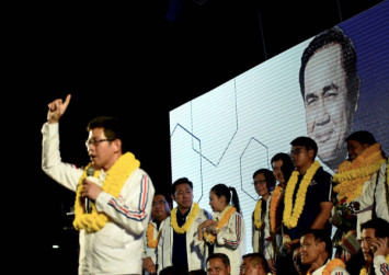 Thai election: Parties sell economic promises - and snub the junta