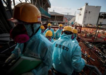 Robot probes radioactive fuel at Japan's quake-hit Fukushima plant