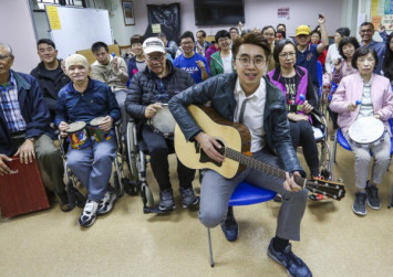 Hong Kong: Music therapist strikes right note with 'stroke choir'