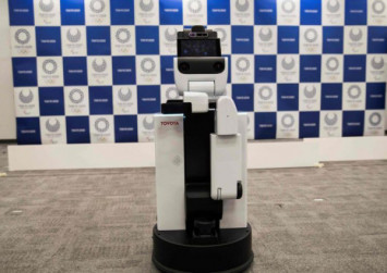 Japan unveils chatty robot volunteers for 2020 Tokyo Olympics