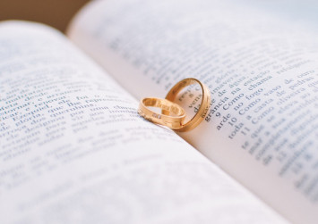 7 budget-conscious ways to score that dream engagement ring