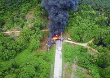 33,000 litres of RON95 fuel go up in smoke after accident on Malaysian highway