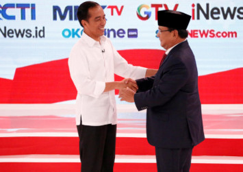 Social media teams paid to drive up buzz on Indonesian presidential rivals