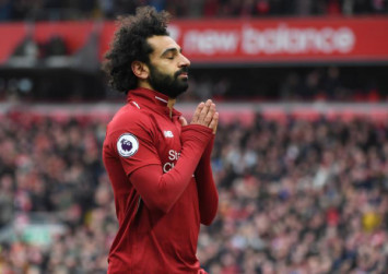 Salah screamer gives Liverpool vital win against Chelsea
