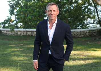 Daniel Craig to have ankle surgery, Bond film remains on schedule