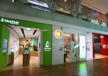 Which telco offers the best SIM-only, no contract plan in Singapore?