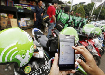 Go-Jek strengthens grip on Indonesia's ride-hailing market as fresh funds pour in