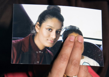 IS teen 'shocked' after UK revokes her citizenship