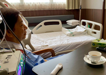 Khaw Boon Wan undergoes 3-hour surgery on fractured left arm