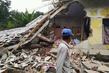 Tourists killed, injured by earthquake-triggered landslide on Lombok