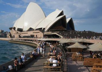 Hundreds evacuated after gas leak at Australia's Sydney Opera House