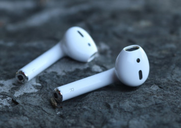 AirPods 2 rumored to come in black, have grip coating and deeper bass