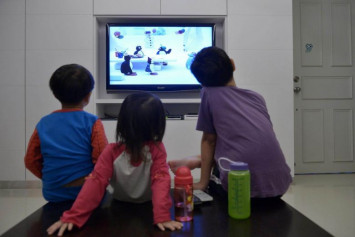 WHO recommends one-hour maximum screen time per day for children under 5