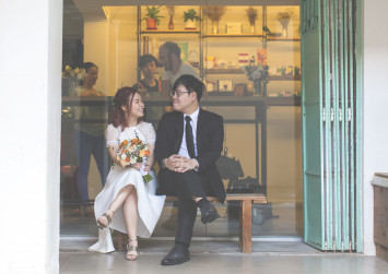 4 years after swiping right on Tinder, Singaporean couple say 'I do'