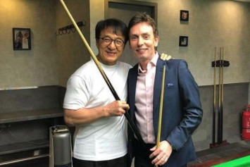 Jackie Chan impresses ex-world snooker champion with trick shot