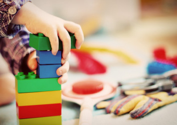 Kindergarten teachers' assessments may be linked with pupils' earnings as adults