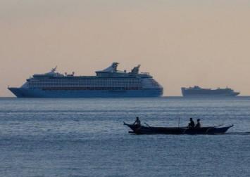 Coronavirus: Filipino cruise ship workers serve quarantine in luxury, but joblessness awaits