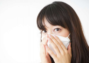 Coronavirus beauty essentials: How to adapt your routine when you wear a face mask - make it all about the eyes